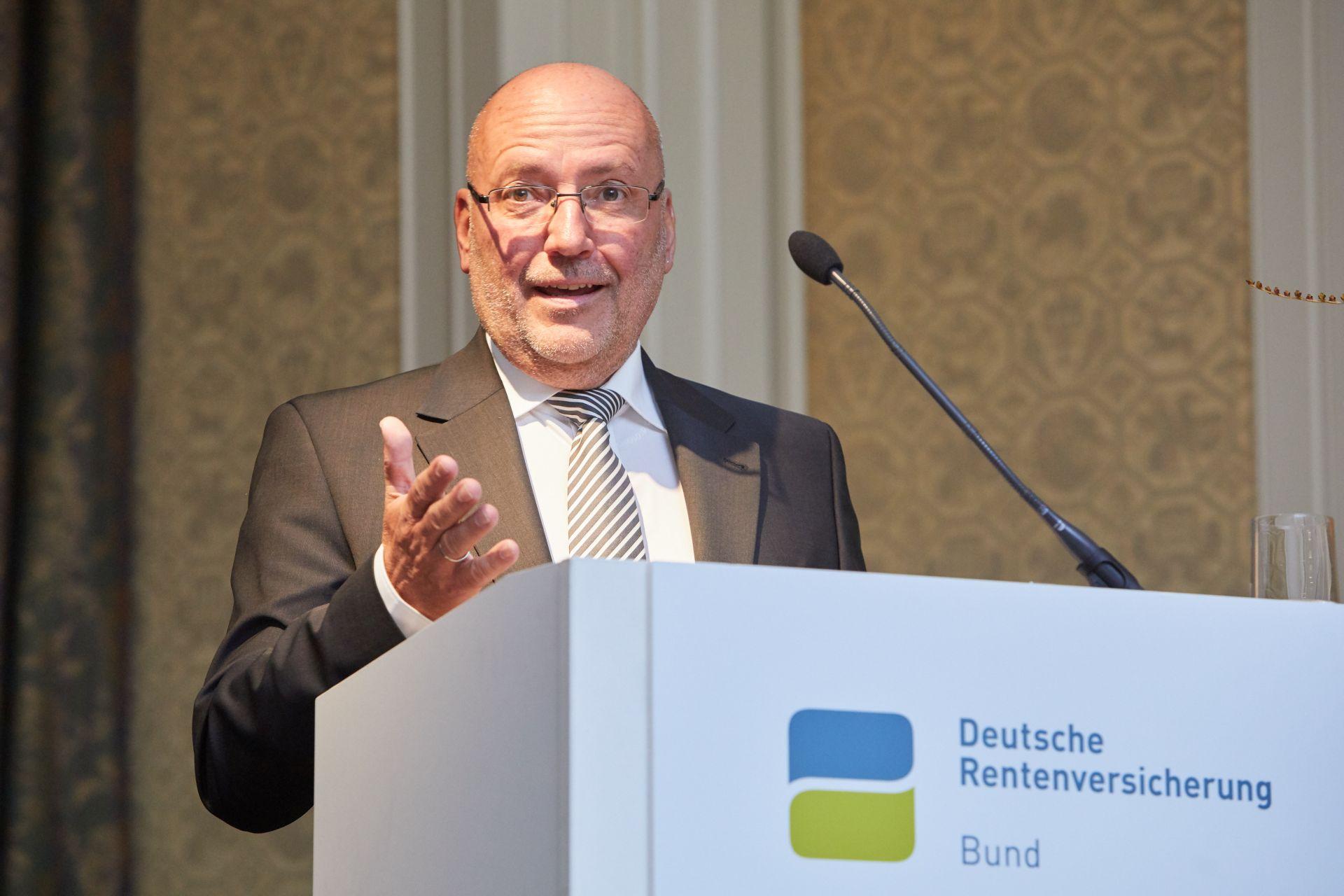 Ruediger_Herrmann_nach_der_Wahl_zum_VV_Vorsitzenden