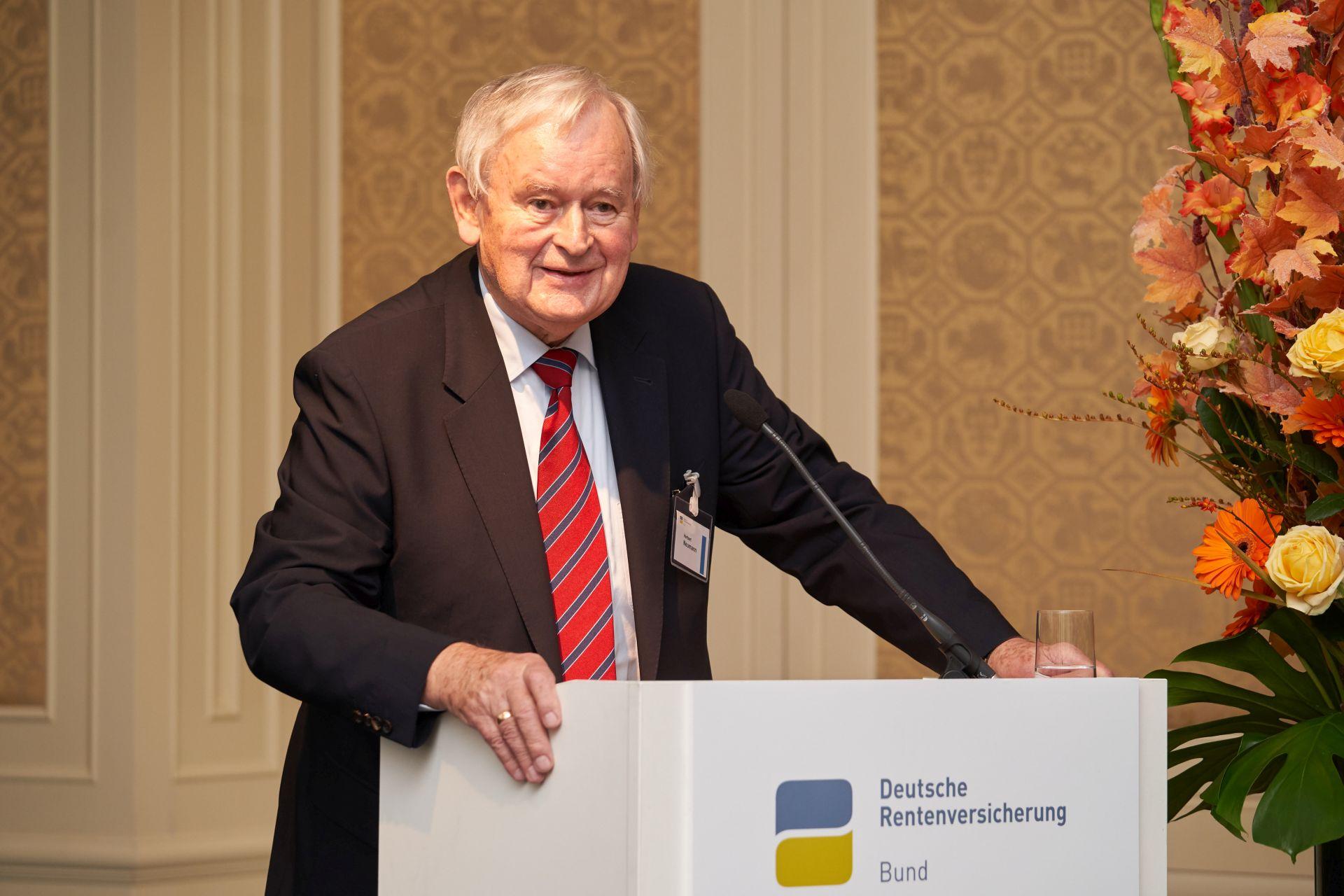 Herbert.Neumann_am_Pult